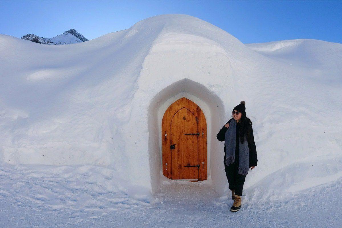 ijshotel-slapen-in-een-iglo